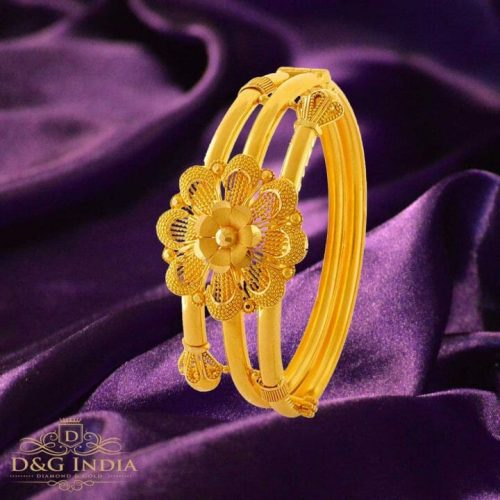 PC Chandra Goldites Collection Flower Gold Pangle